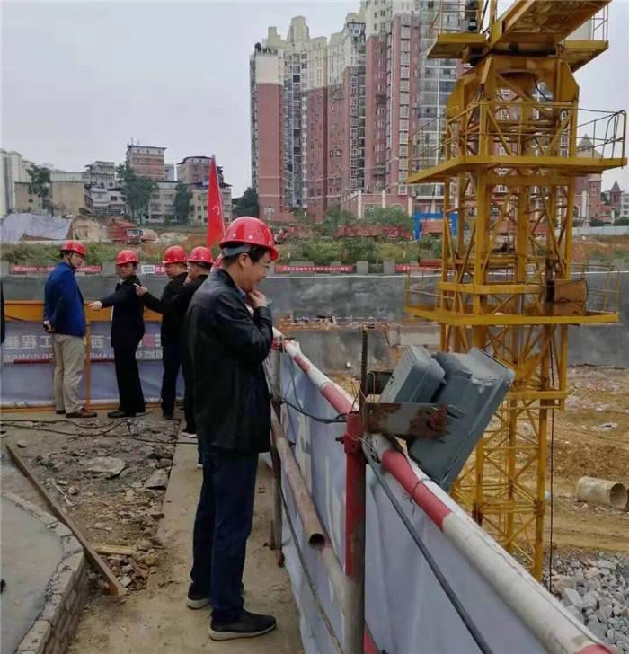 市城投集团公司副总经理于大鹏调研市颐年苑开发建设项目