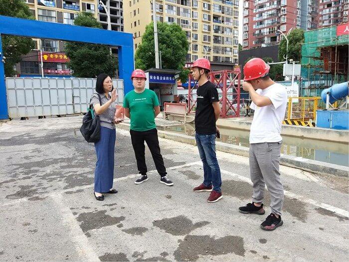 市委组织部副部长、市老干部局局长张武督查颐年苑项目工程进度